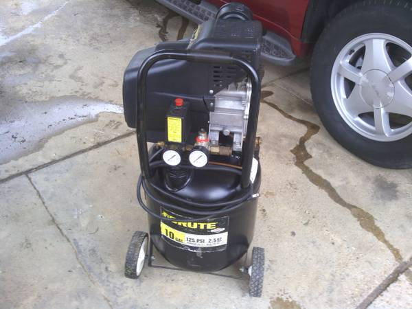 Brute 10 Gallon Air Compressor - $100 (Tyler)