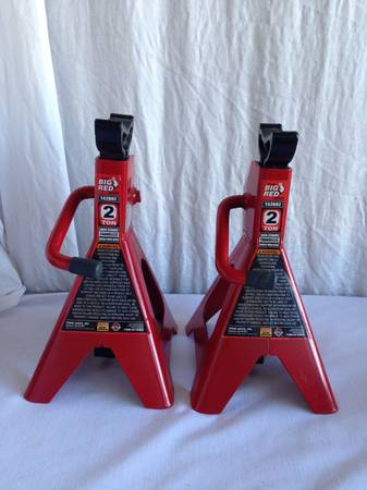Pair of Torin Big Red 2-ton Jack Stands - $25 (Tyler South whitehouse)
