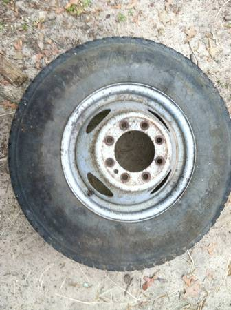 Spare dually wheel for Ford F-350 21585 R16 - $25 (Chandler, Lake Palestine)