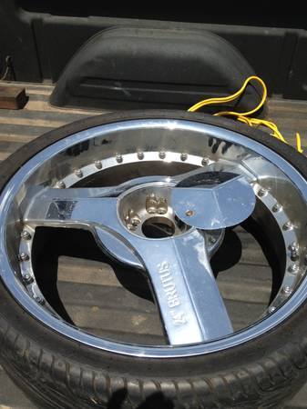 24 inch rims for sale  - $700 (Longview )