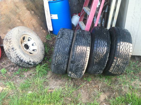 31x10.5x15 falken tires - $500 (Longview)