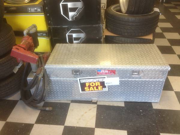 Diamond plate tool box and 60 gallon fuel tank - $700 (Longview, Tx)