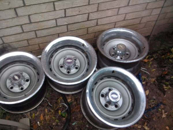 15 inch chevy alloy rims - $100 (longview)