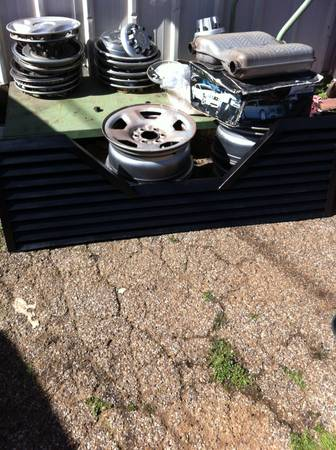 Vented Tailgate for Fifth wheel - $60 (Longview)