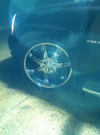 26 inch rims with 5th wheel - $2000 (Mt Pleasant)