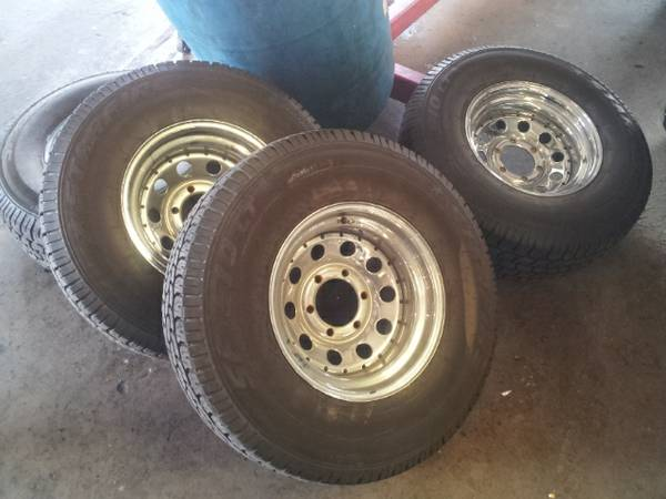 31 INCH TIRES LIKE NEW - $450 (WP)