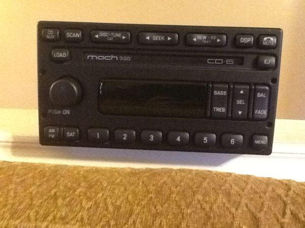 05 Ford Mariner Radio Mach 300 6 Disc Cd Player 5L8T-18C815-DF - $200 (Longview)