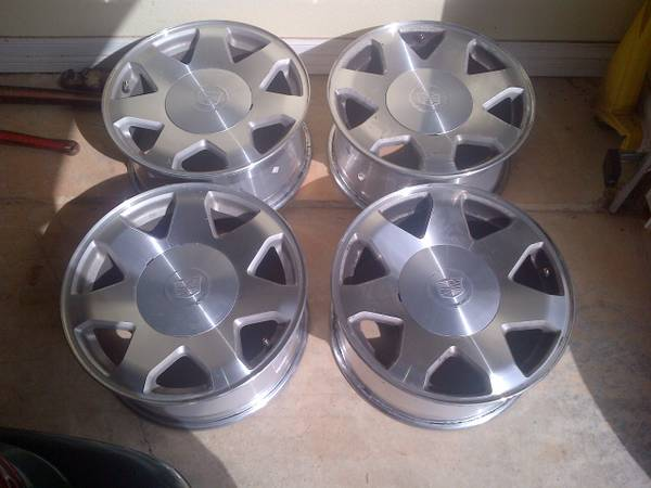 17 Cadillac Escalade Rims - $250 (longview)