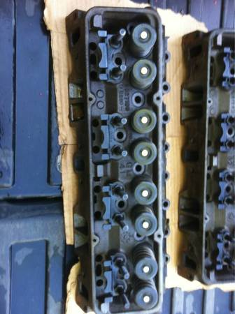 Small block chevy heads - $550 (Tyler,Tx)