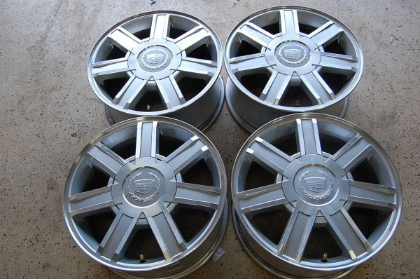 18 Cadillac Escalade wheels oem set with TPMS Sensors - $475 (Longview)