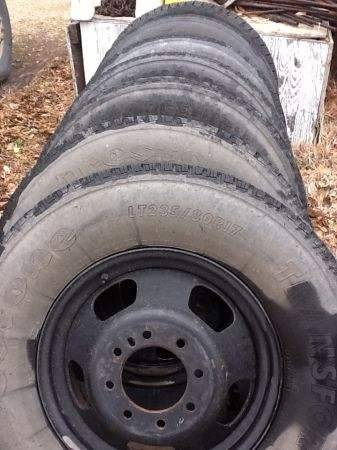 17 dodge dually wheels and tires 7 - $1 (Emory)