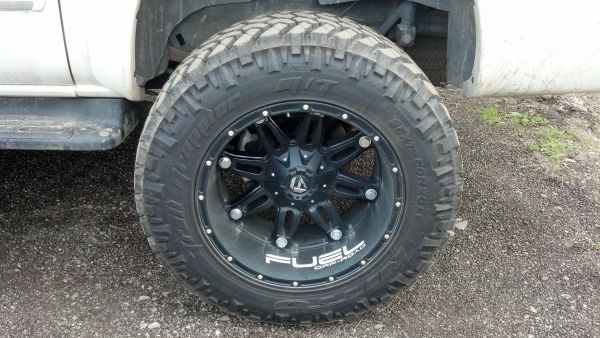 20x12 fuel wheels 35x12.50x20 nitto trail grapplers - $1600 (longview)