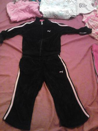 BLACK AND PINK PUMA SWEAT SUIT 2T GIRLS -   x0024 1  TROUP