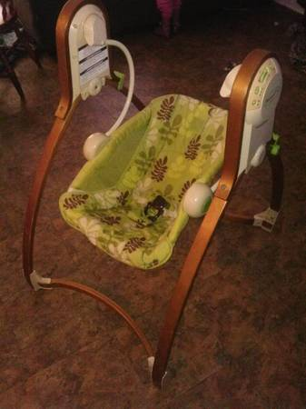 BABY SWING (brentwood baby collection) - $50 (tyler)