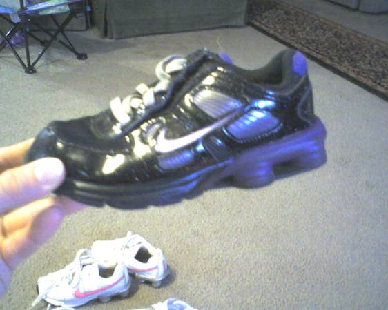 GIRLS SIZE 9 SHOES (longviewhallsville)