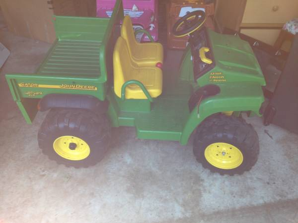 John deer gator power wheels - $85 (Lindale)