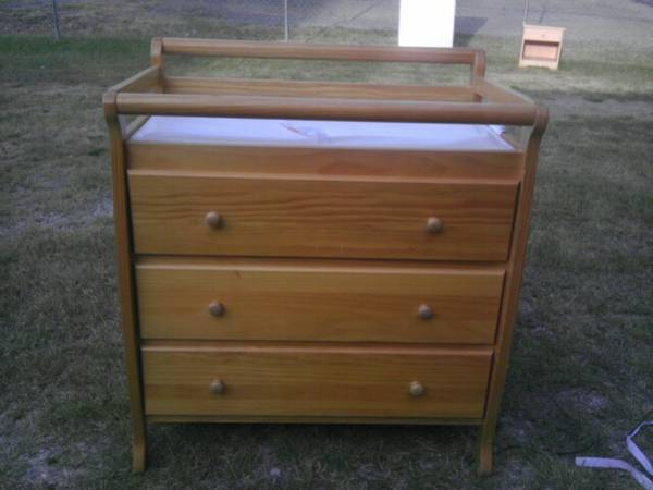 Natural wood 3 drawyer dresserchanging table - $100 (Gladewater)