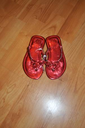 Red shoes size 8 -   x0024 3  Whitehouse