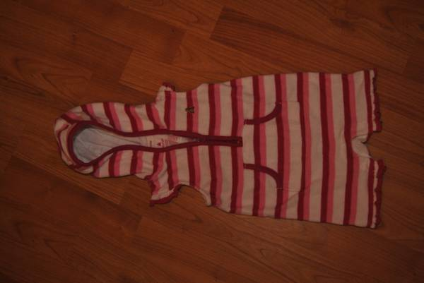 Baby Girl Gap outfit - $5 (Whitehouse)