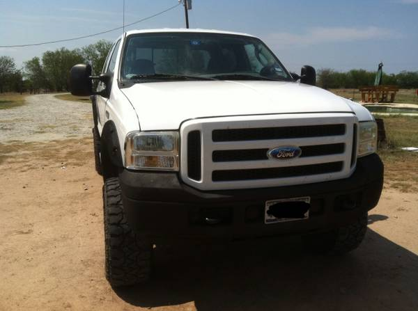 05 f250 4x4 fx4 lifted  - $20000 (Wills point)