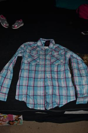 2 button up shirts from Cavenders-NWT (HallsvilleNorth Longview)