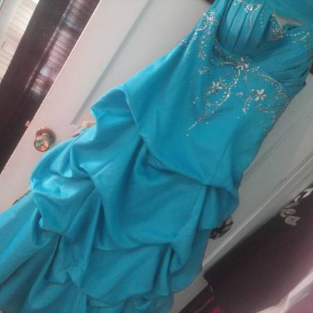 Prom Dress - Perfect Condition   -   x0024 100  Canton  TX