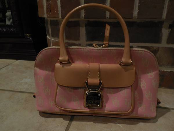 Adorable Pink Tan Dooney and Bourke Purse   LIKE NEW -   x0024 75