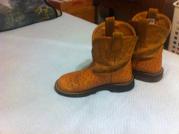 Womens Ariat Fat Baby Boots size 8