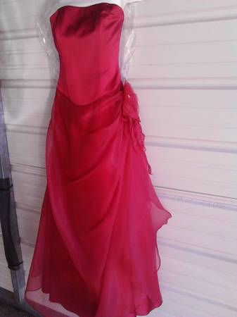 Prom  Formal Gown -   x0024 100  Longview  tx