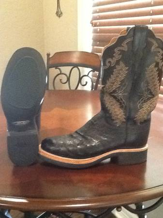 Ladies Lucchese Ostrich Boots - $150 (Longview)