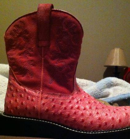 8.5 fat baby ariat boots womens - $50 (kilgore)