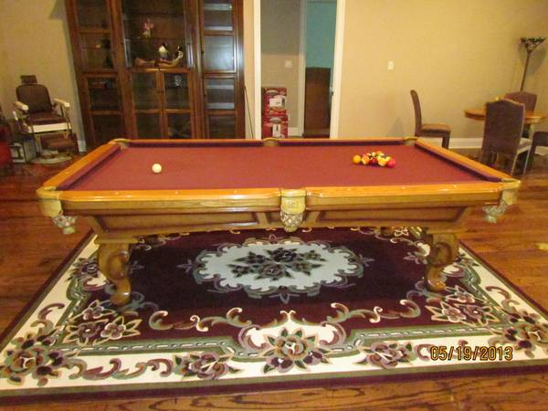 Connelly Pool Table in IMMACULATE condition -   x0024 3000  Noonday