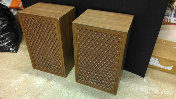 Pair Vintage 1970s Sonics Stereo Speakers Wood Case Working Electronic - x002440 (Jacksonville, TX)