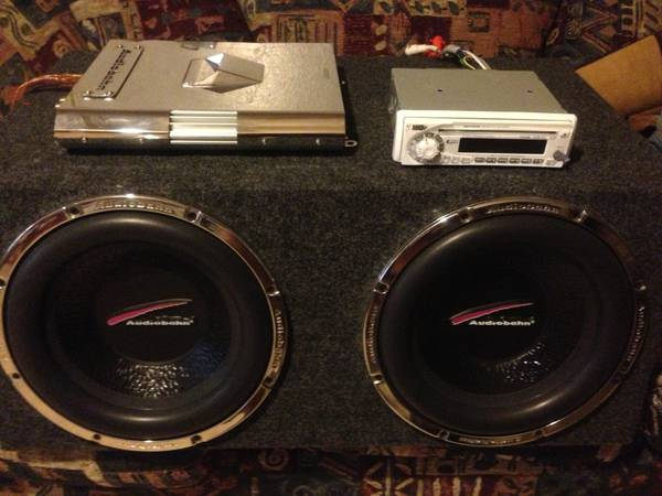 Complete system 1600w audiobahn and audiobah 12 subs, CD player. - $300 (Longview)