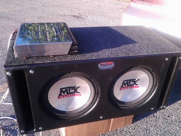 Xtant 3.1 Amp and Sledge hammer box with 2, 12 MTX 4500s. - $120 (jacksonvilleRuskTyler )