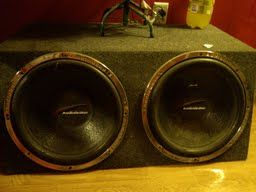Two 15 Audiobahn 500w 4ohm Subs In Speaker Box ($350 value)(trade) - $150 (Emory, Tx)