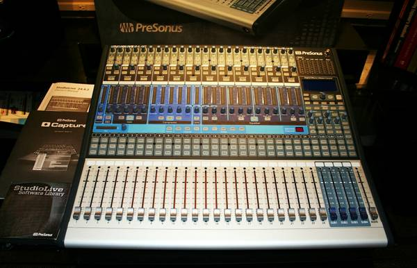 GOING OUT OF BUSINESS MUSIC STUDIO EQUIPMENT (Palestine, TX)