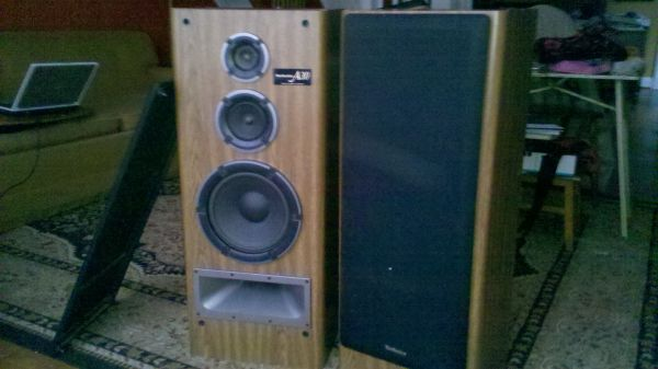 Technics A30 stereo speakers 200w superb - $100 (Tyler)