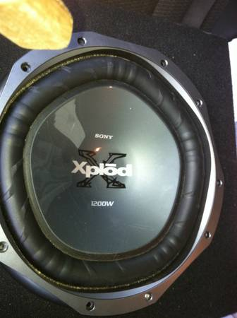 2 12s, Sony xplod 1200w mtx thunder 6000, single 12 sub box - $70