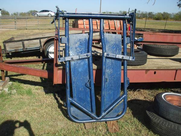 Priefert Headgate - $220 (Greenville TX)