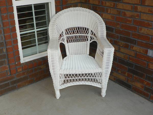 Wicker  PVC  lawn chairs -   x0024 150  Gilmer