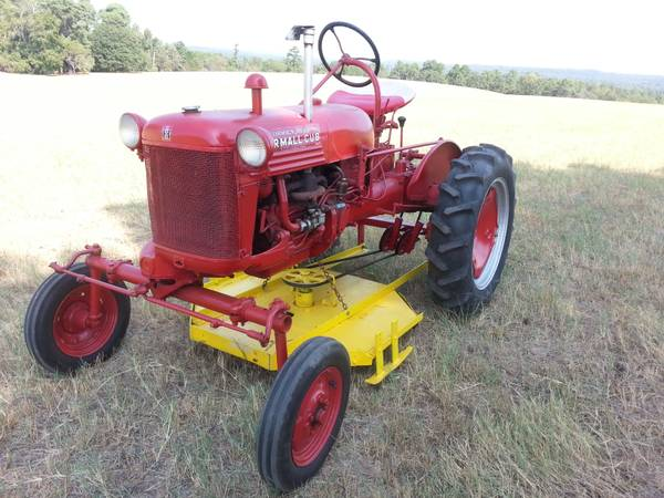 Farmall Cub with belly mower (Tyler)