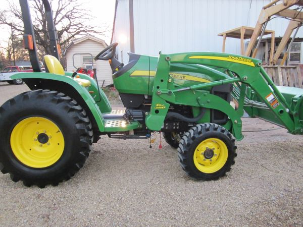 John Deere 3203, HST,  Tractor 33Hp, 4x4 R4 tires,  Loader,  Mower, BB - $15900 (seagoville)