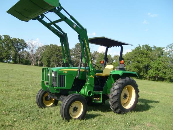 JOHN DEERE 5103 51HP TURBO DSL JD LDR REMOTES LOW HRS CLEAN - $15500 (OMAHA, TEXAS)