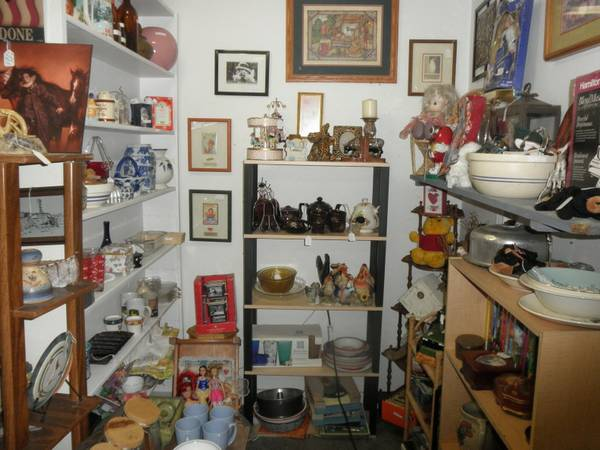 ONE Stop Shopping, Furniture, household items decor collectibles (Chapel Hill, Texas)