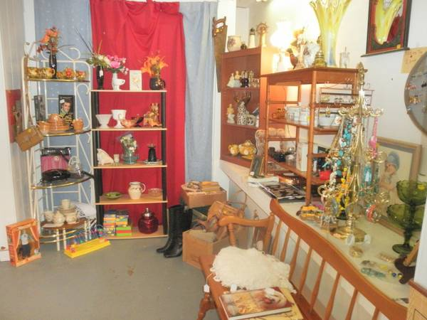 GREAT TREASURES PRICED TO SELL (Chapel Hill, Texas)