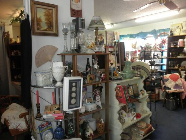 VARIETY OF ITEMS, FUN PLACE TO SHOP (Chapel Hill, Texas)