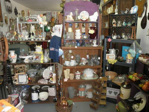 TREASURES WITH BARGAINS, FURNITURE, COLLECTIBLES, HOUSEHOLD MORE (Chapel Hill, Texas)