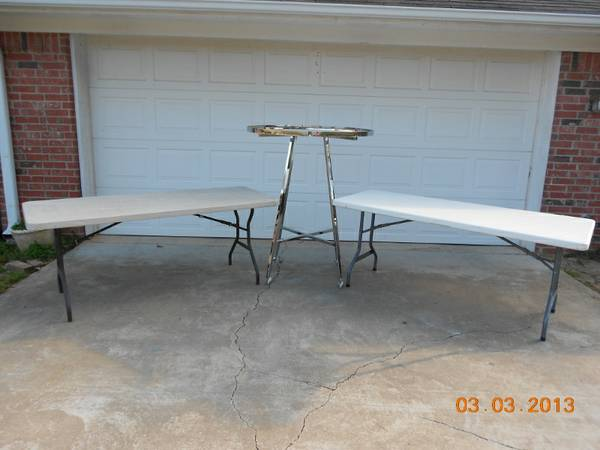 Garage sale tables and clothes racks for rent (longview area)