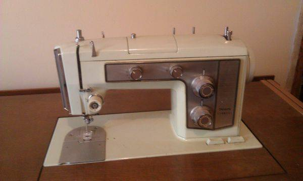 Kenmore Sewing Machine - $150 (Tennessee Colony)